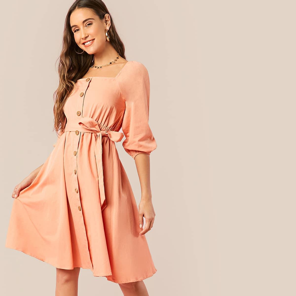 Einreihiges Kleid mit Laternenärmeln und Gürtel