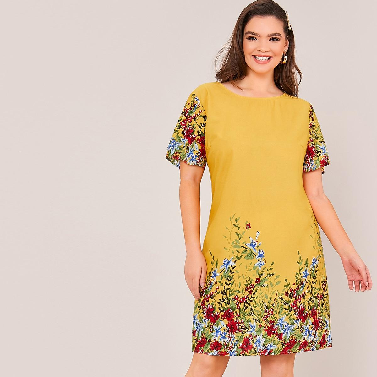Платье размера плюс с ботаническим принтом