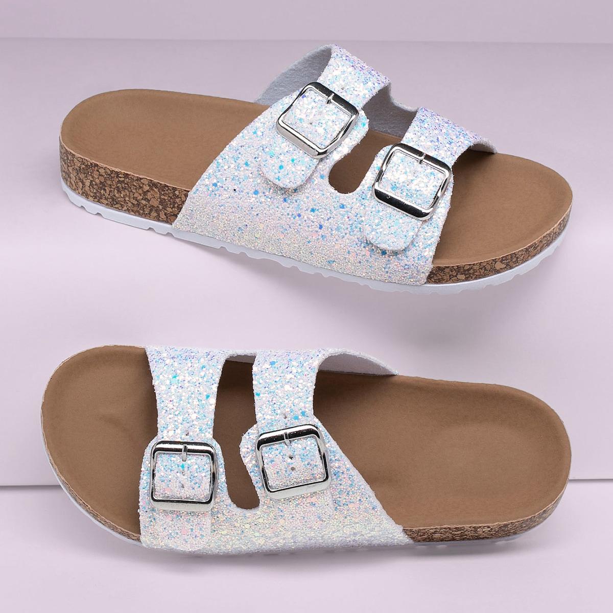 Блестящие сандалии с пряжкой