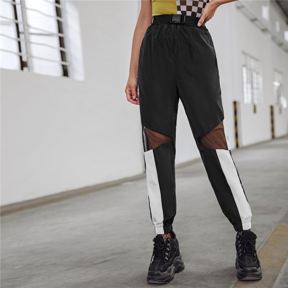 Hosen mit Schnalle Gürtel und Netzstoff