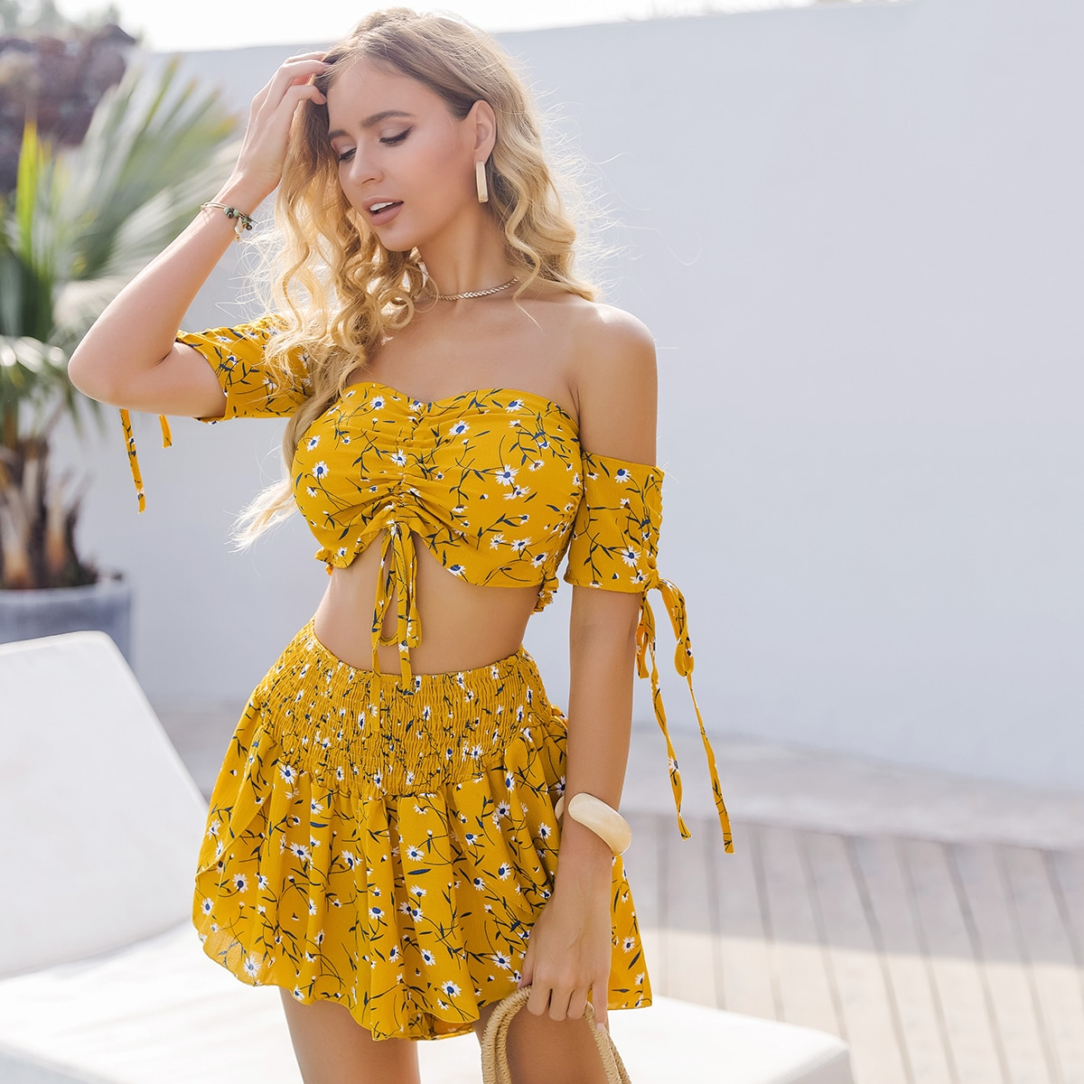 Floral Drawstring Crop Top With Shorts