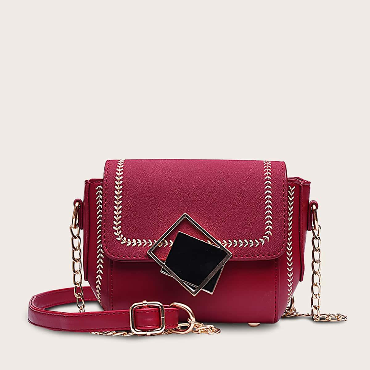 Naht Detail Flap Crossbody Bag
