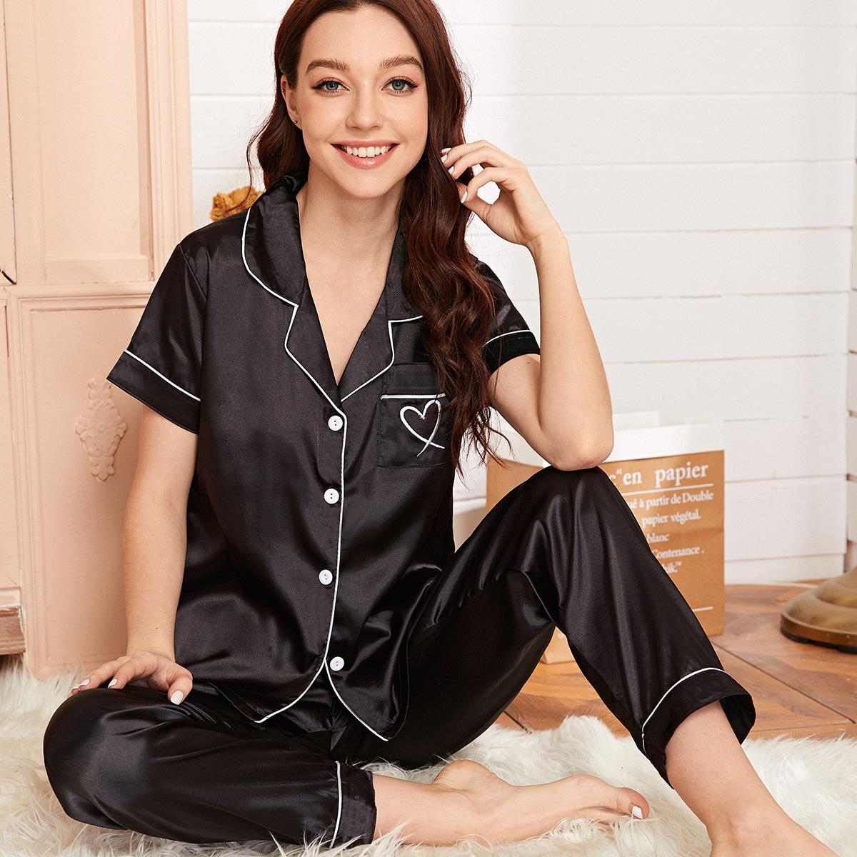 Атласная пижама с карманом и принтом сердечка