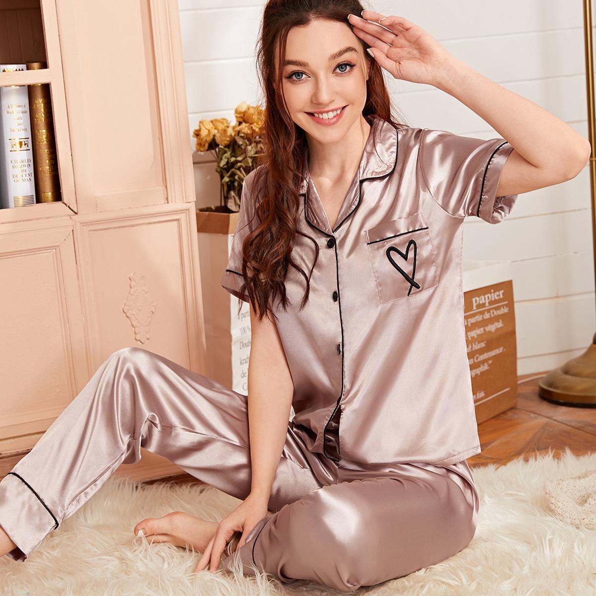 Атласная пижама с вышивкой сердечка