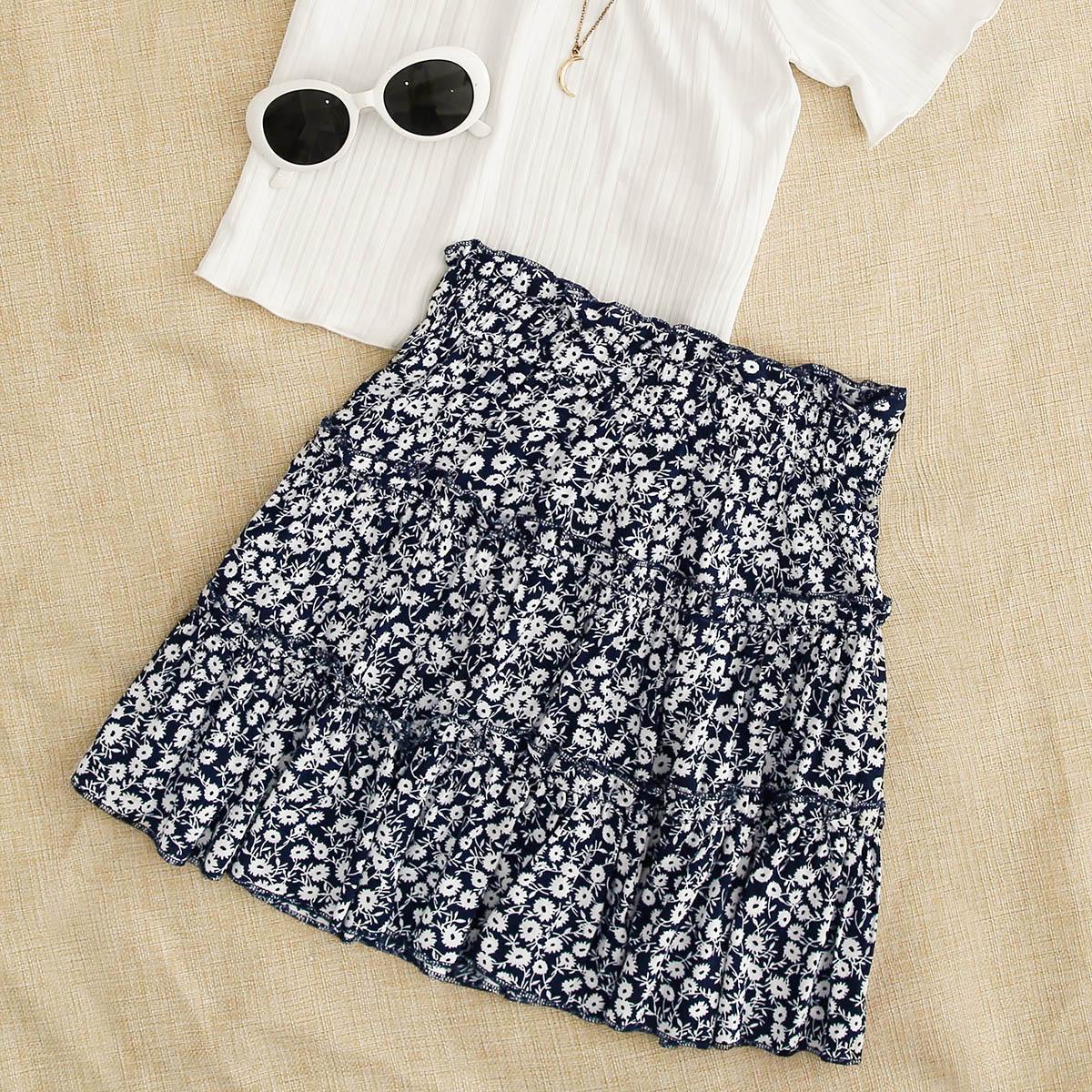 Цветочная юбка с оригинальной отделкой