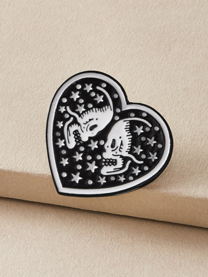 1pc Skull Pattern Heart Brooch