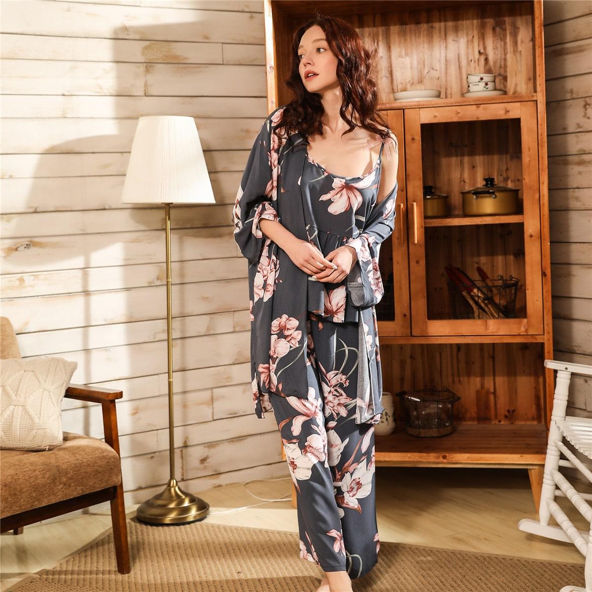 Пижама с цветочным принтом и халатом 3шт