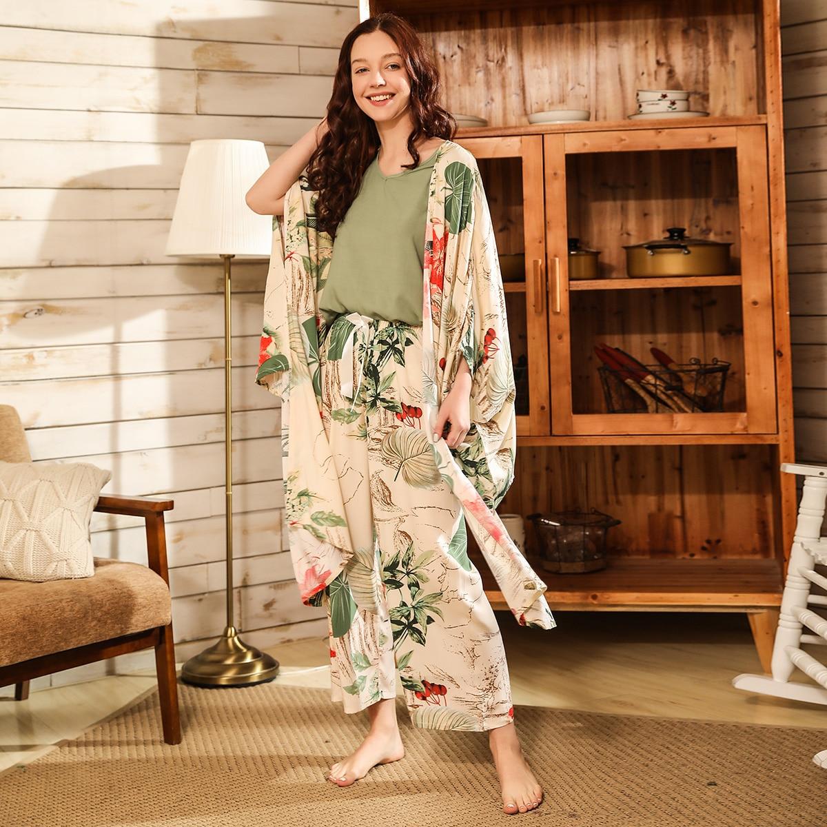 Пижама с тропическим принтом и халатом 4шт