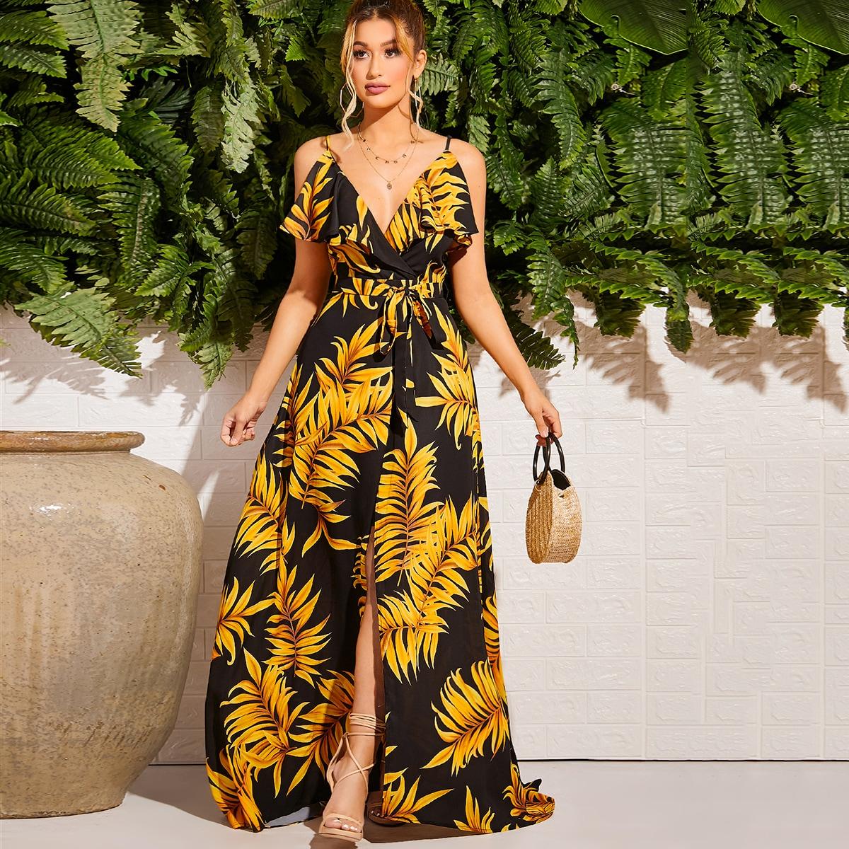 Платье на бретелях с тропическим принтом и поясом