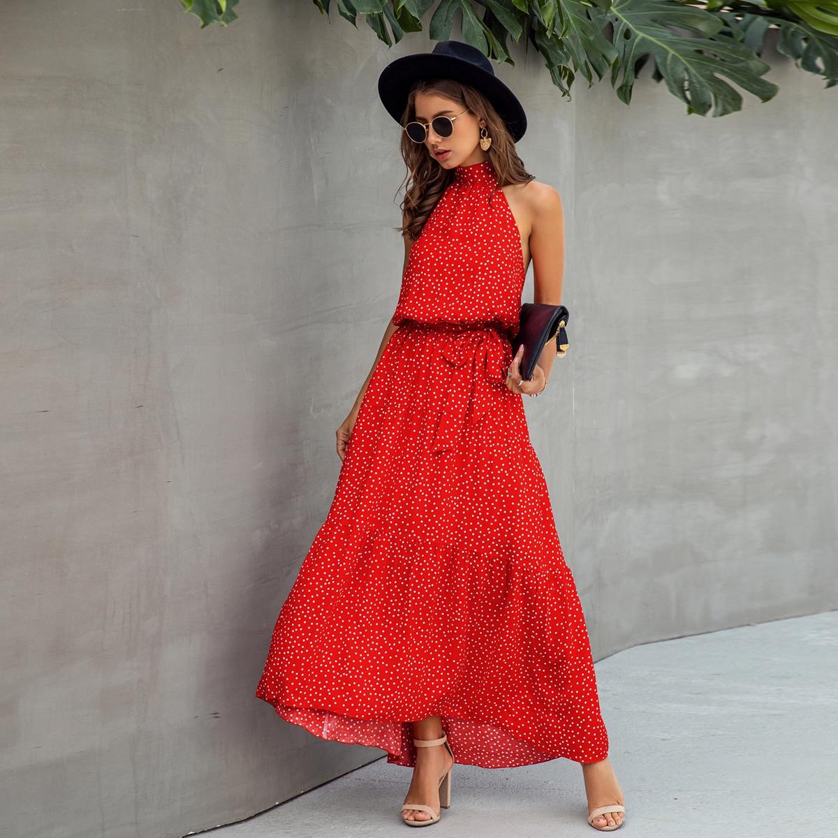 Платье в горошек с поясом, узлом и оборками