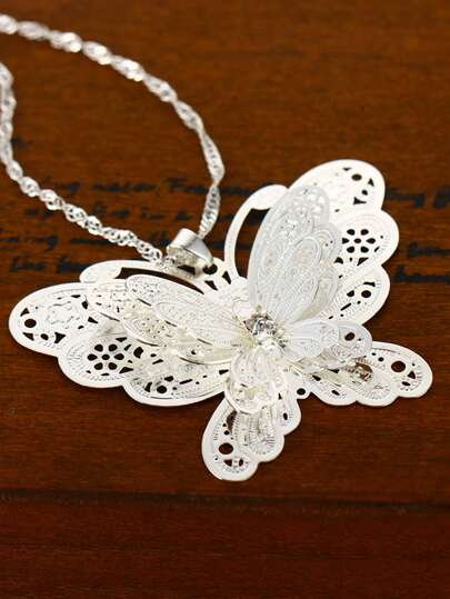 1pc Hollow Out Butterfly Charm Necklace