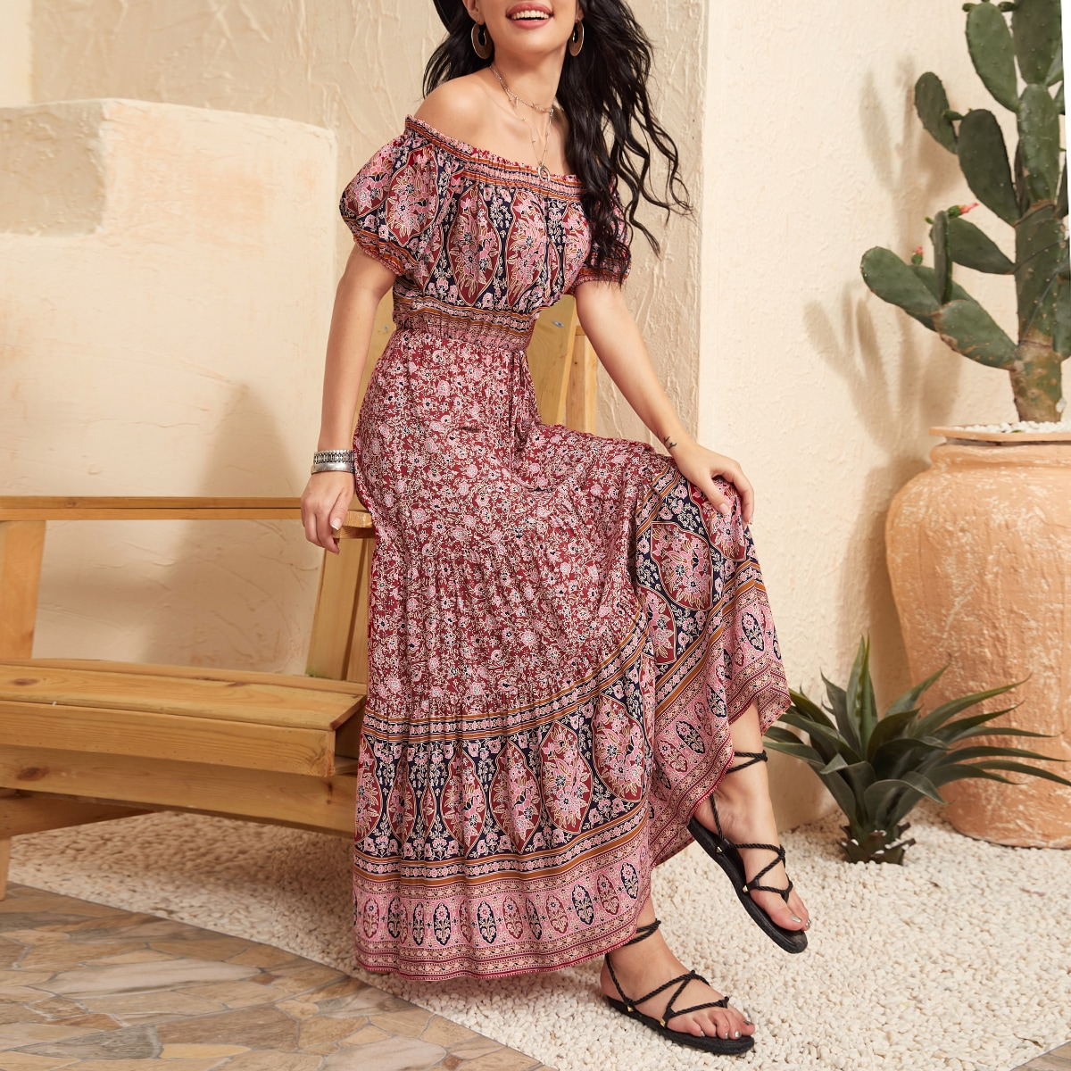Платье с пышными рукавами и племенным принтом