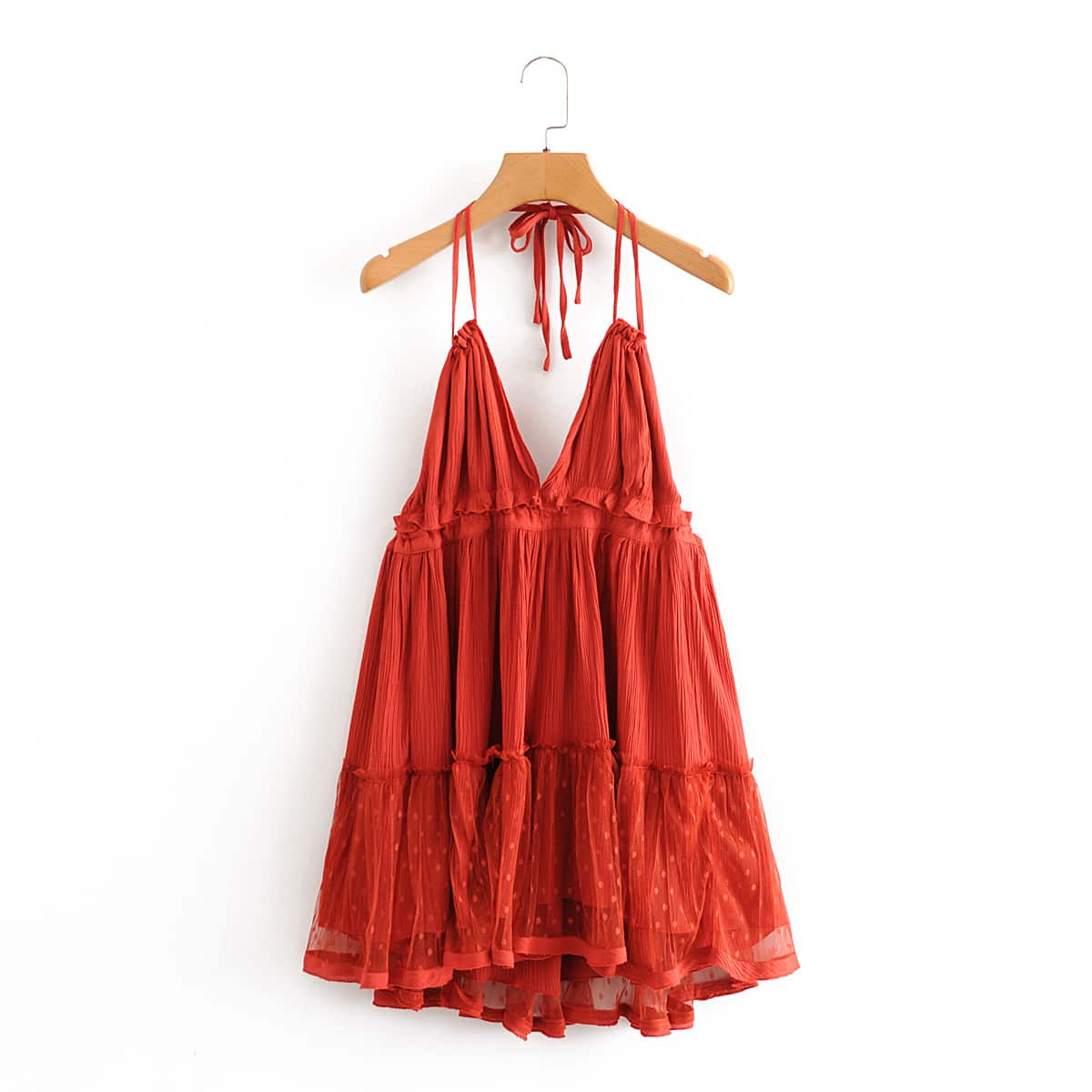 Многослойное платье-халтер с открытой спиной