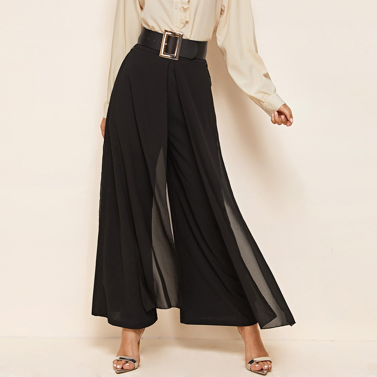 Широкие брюки с разрезом и поясом