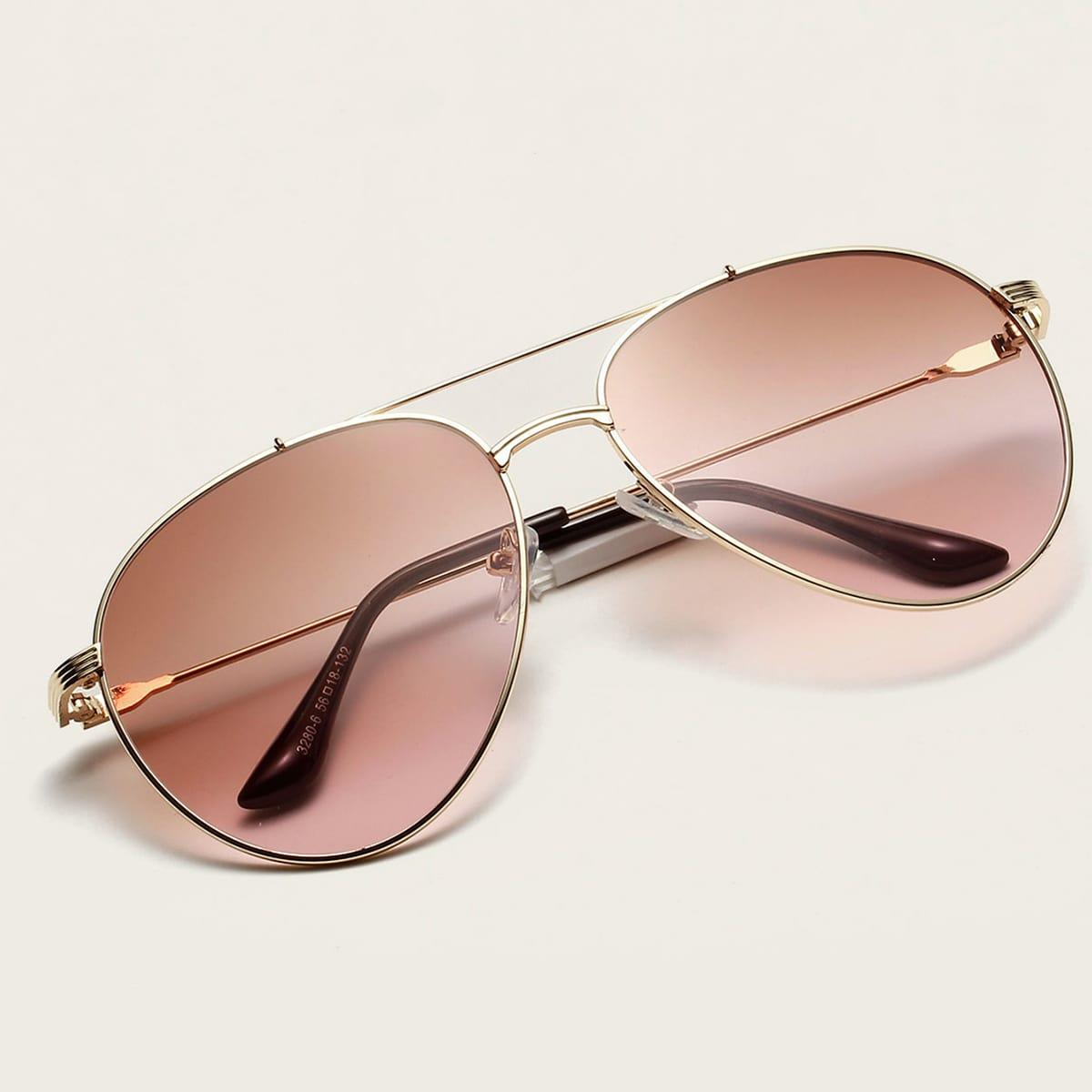 Солнечные очки-авиаторы в металлической оправе с футляром