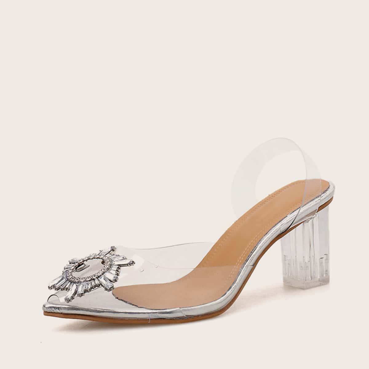 Туфли с массивным каблуком и драгоценностями