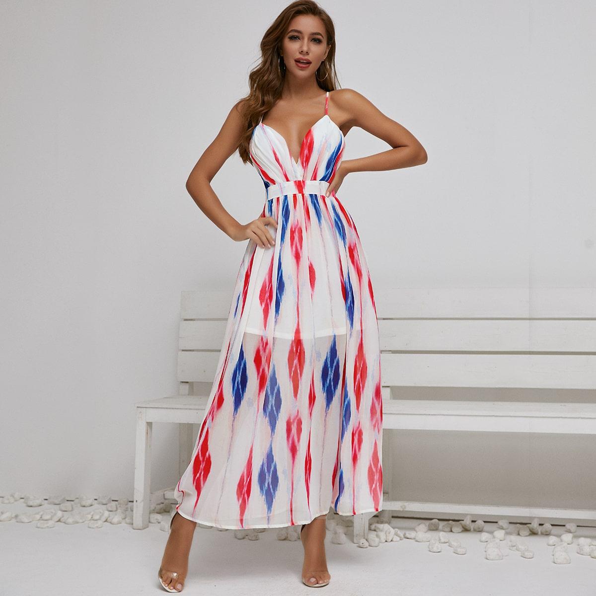 геометрическое платье с глубоким вырезом