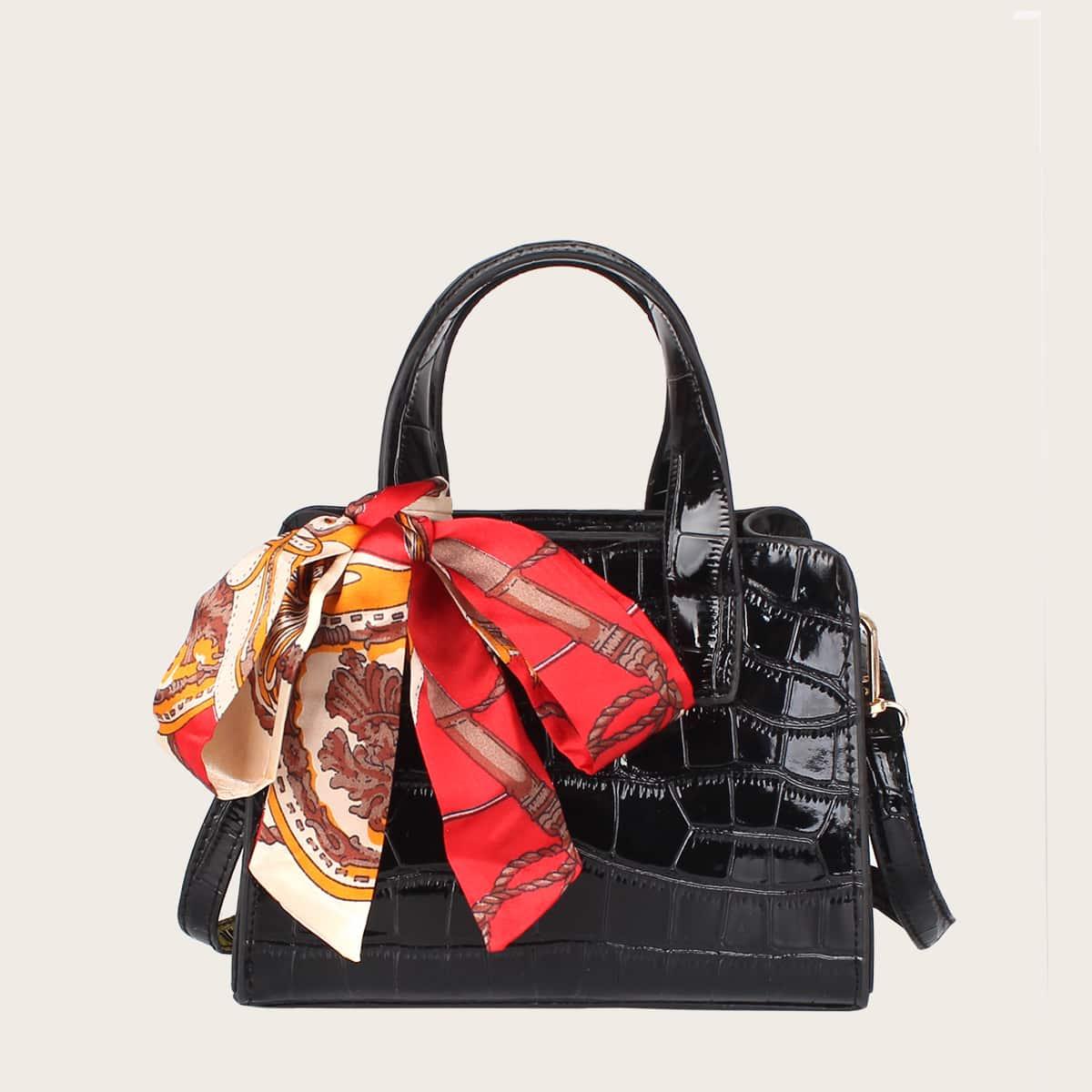 Рельефная сумка-сэтчел с декором