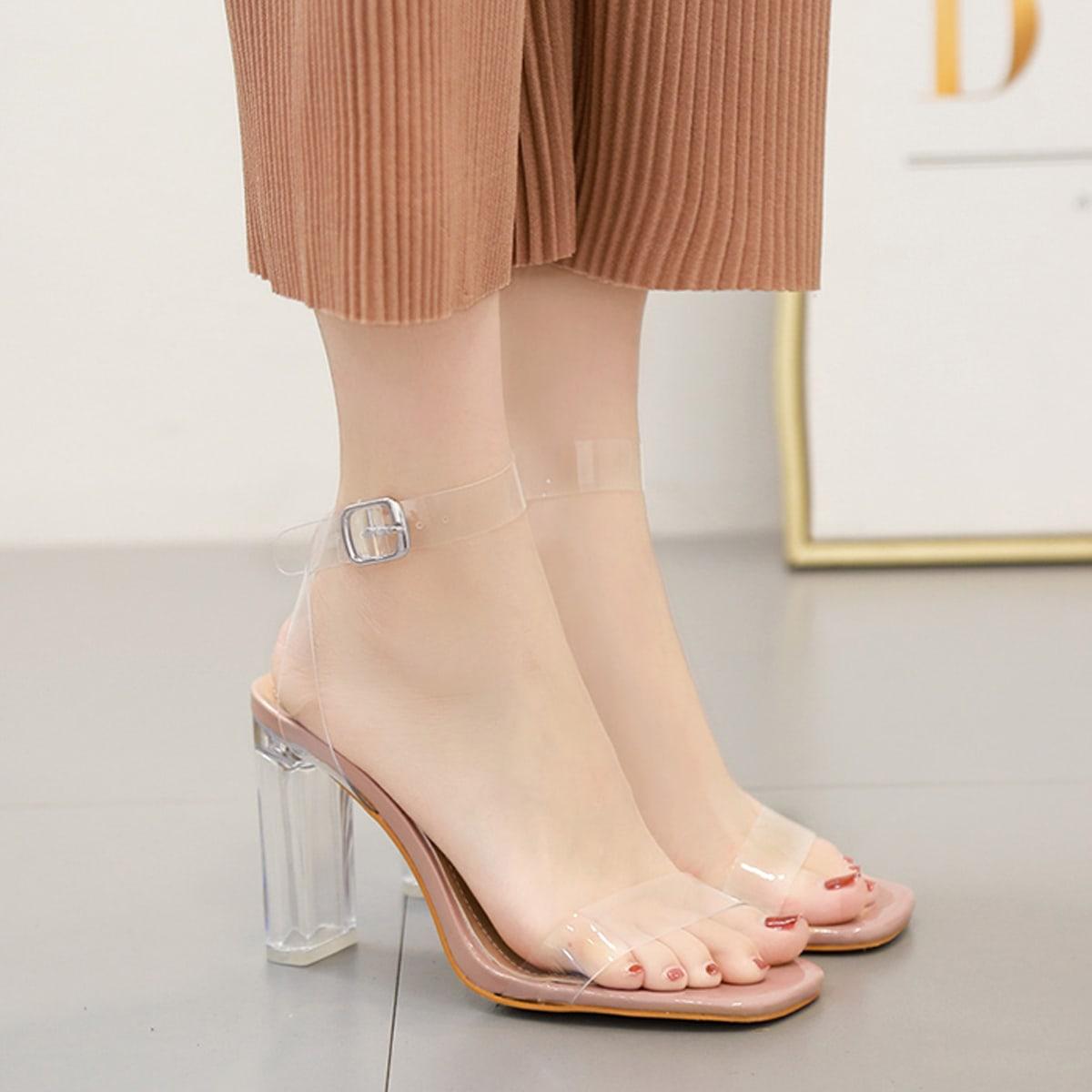Прозрачные туфли с массивным каблуком и пряжкой