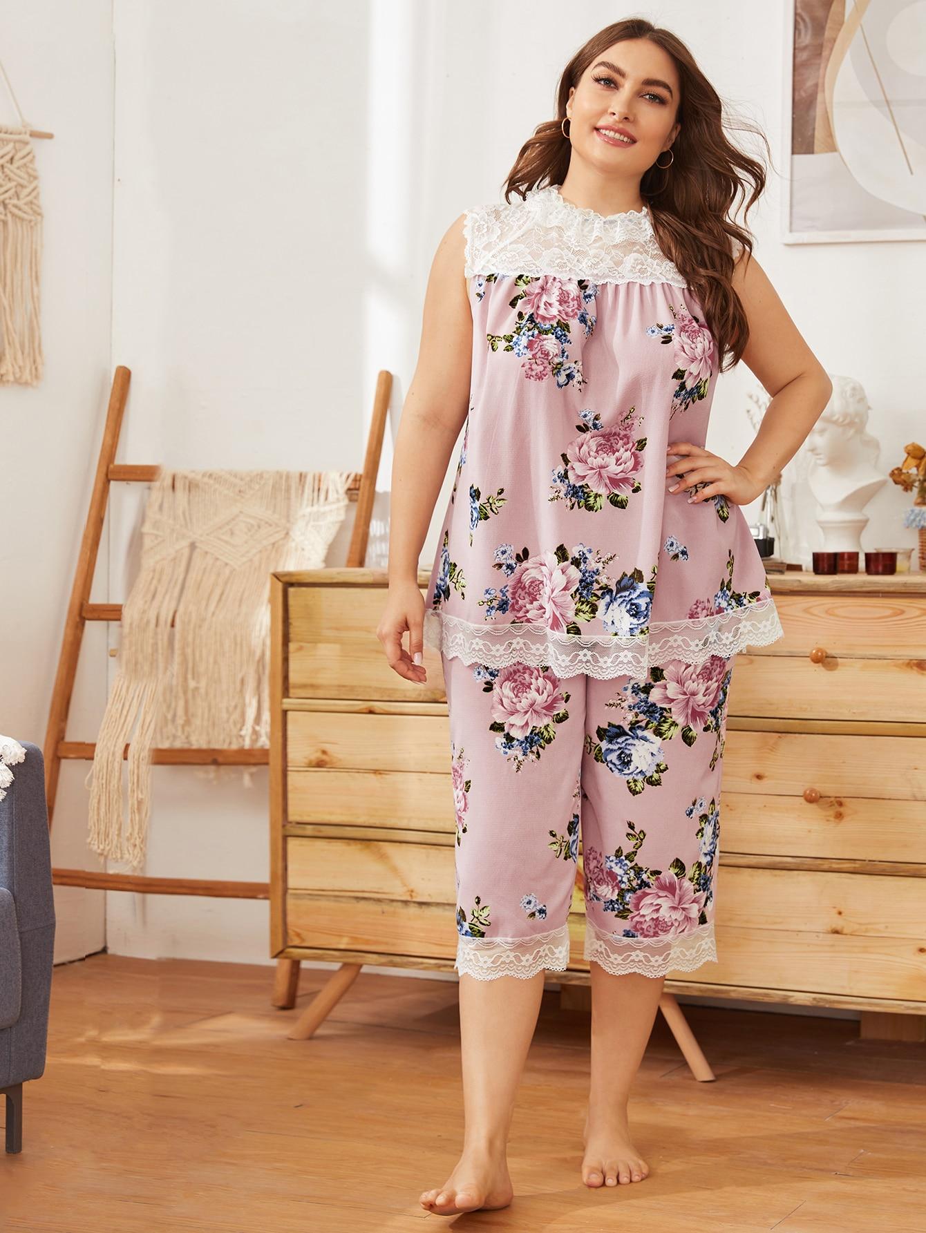 Plus Lace Yoke Floral Print Top & Shorts Pj Set thumbnail