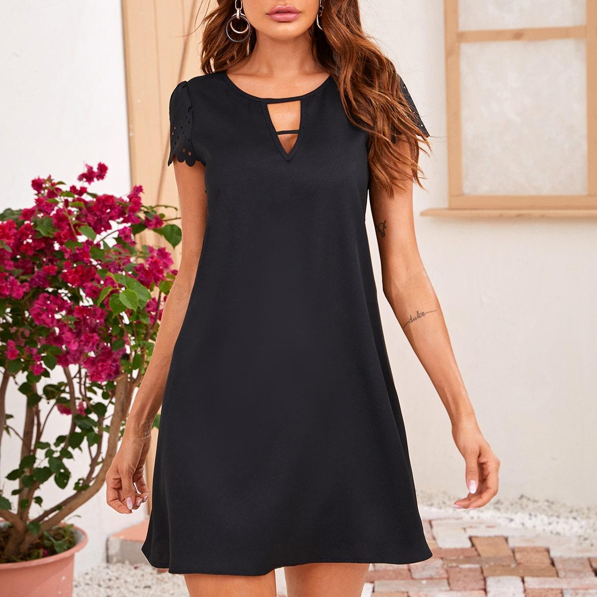 Платье с оригинальным рукавом