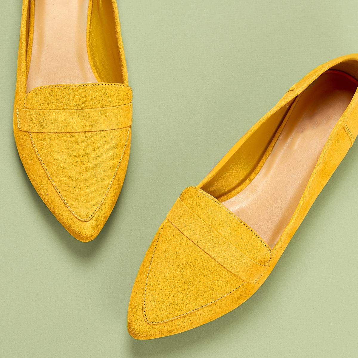 Остроконечные искусственные замшевые туфли на плоской подошве от SHEIN