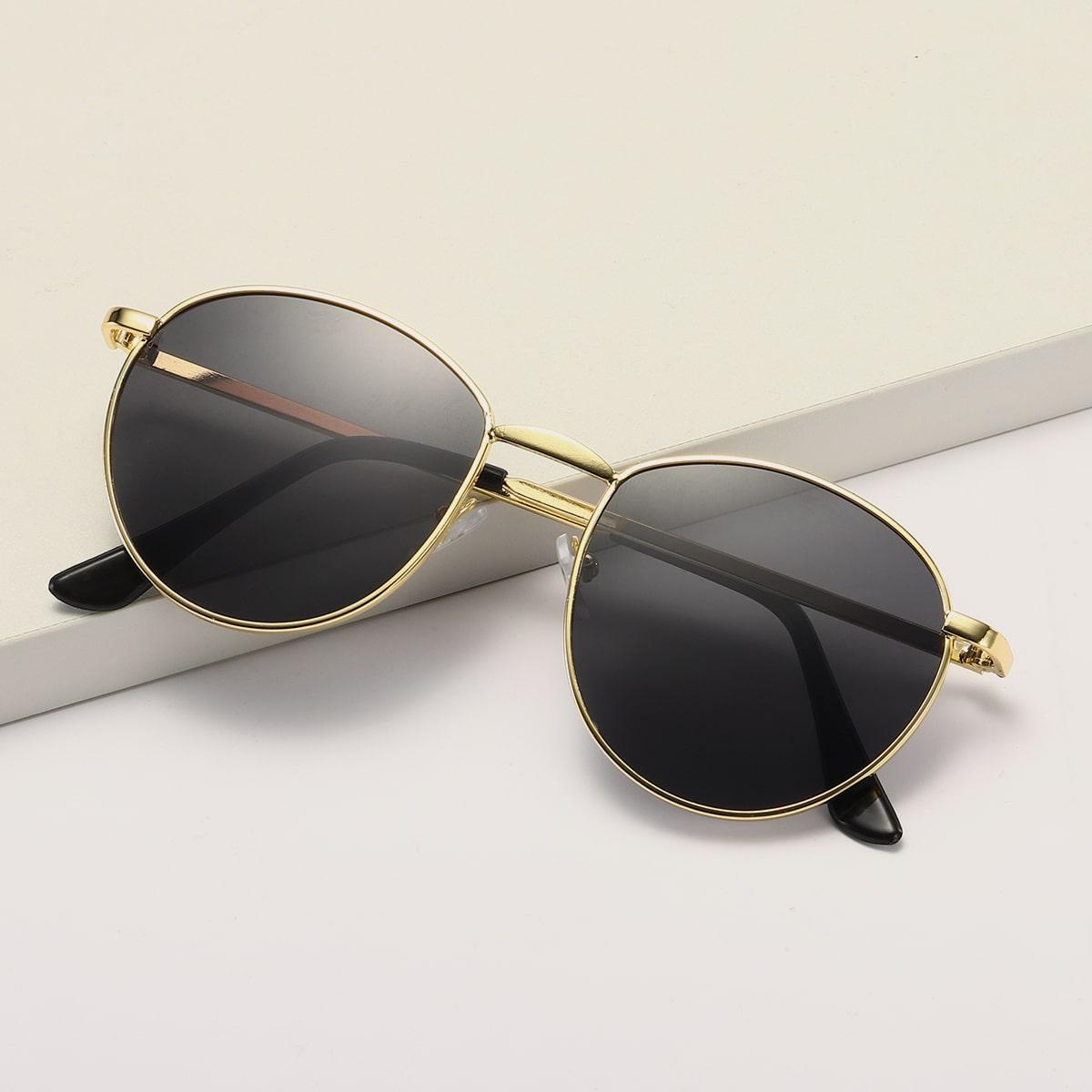Круглые солнечные очки с футляром