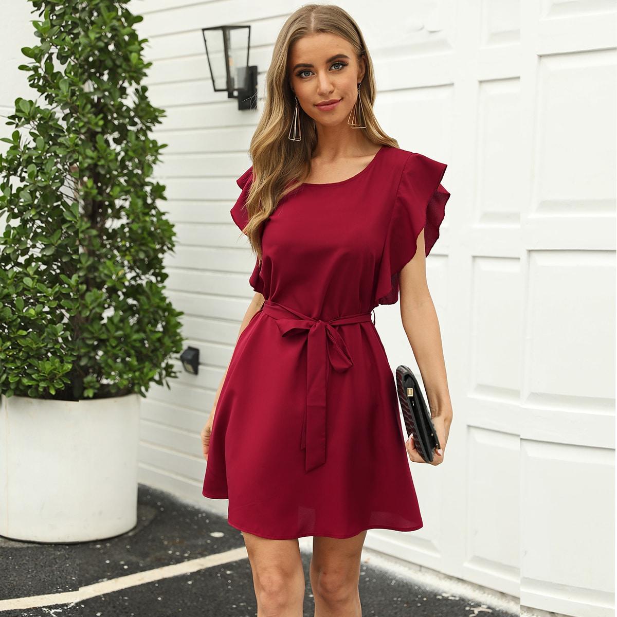 Платье-туника с поясом и оригинальным рукавом