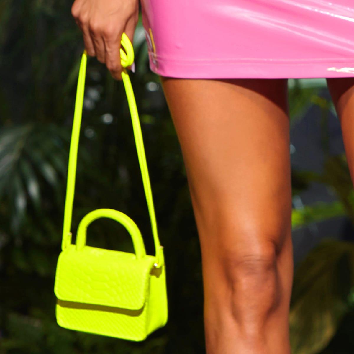Рельефная сумка-сэтчел мини цвета неонового лайма