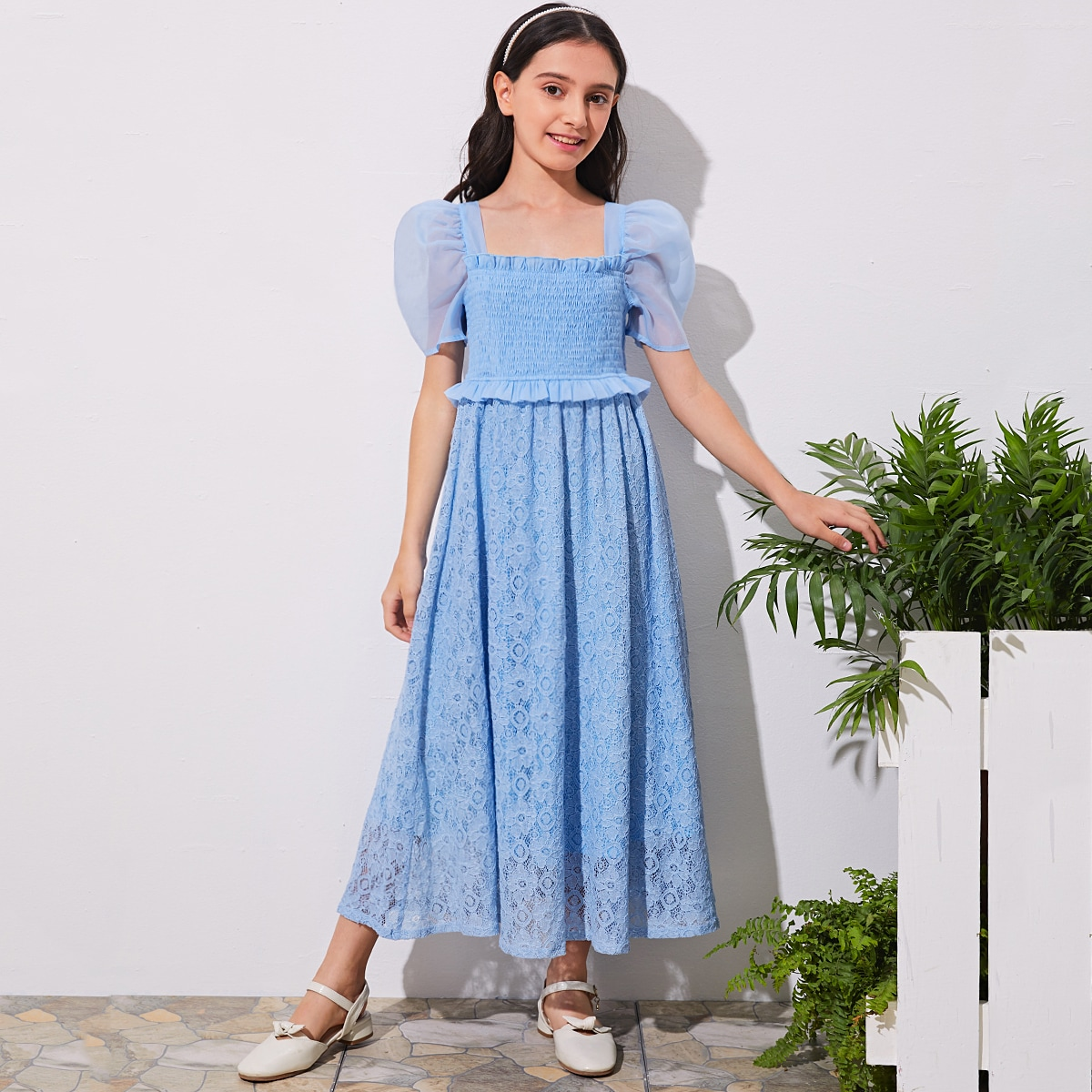 Кружевное платье с пышными рукавами из органзы для девочек