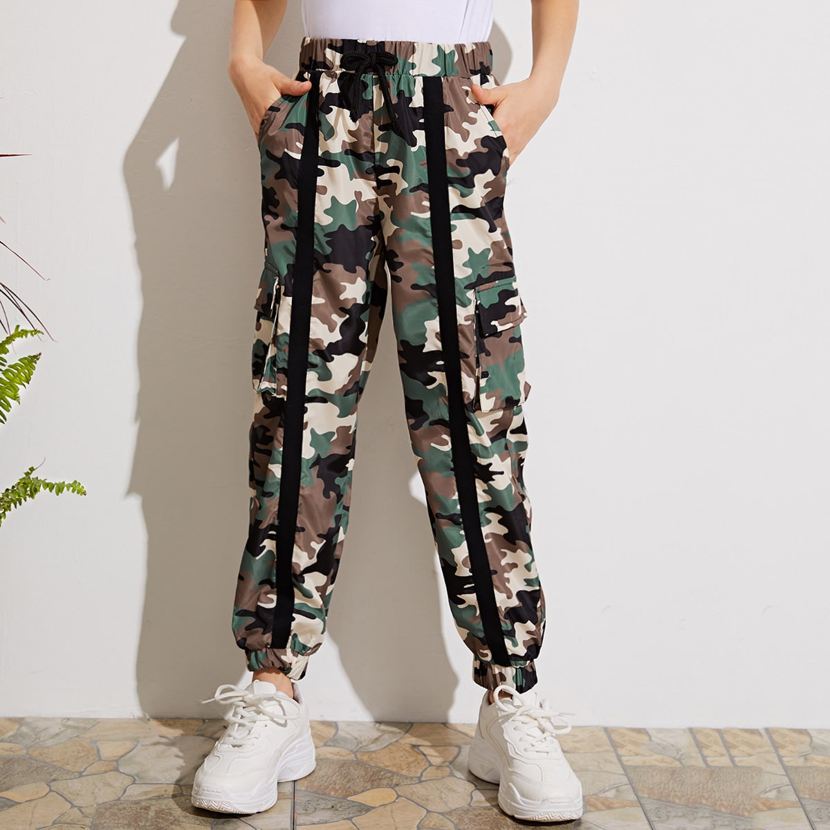 Камуфляжные брюки для девочек