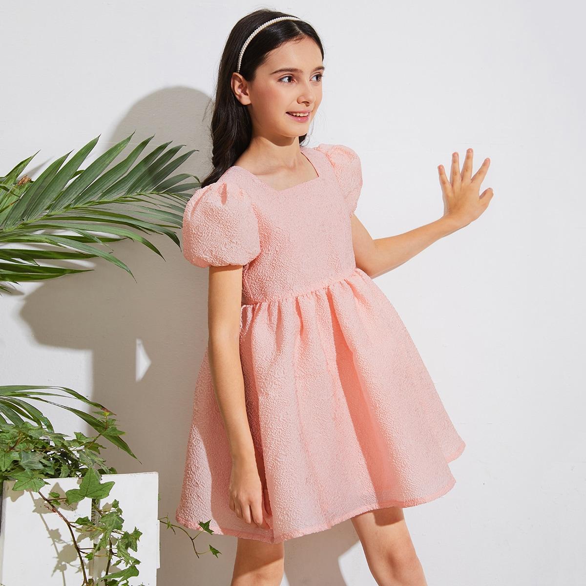 Платье с пышными рукавами для девочек