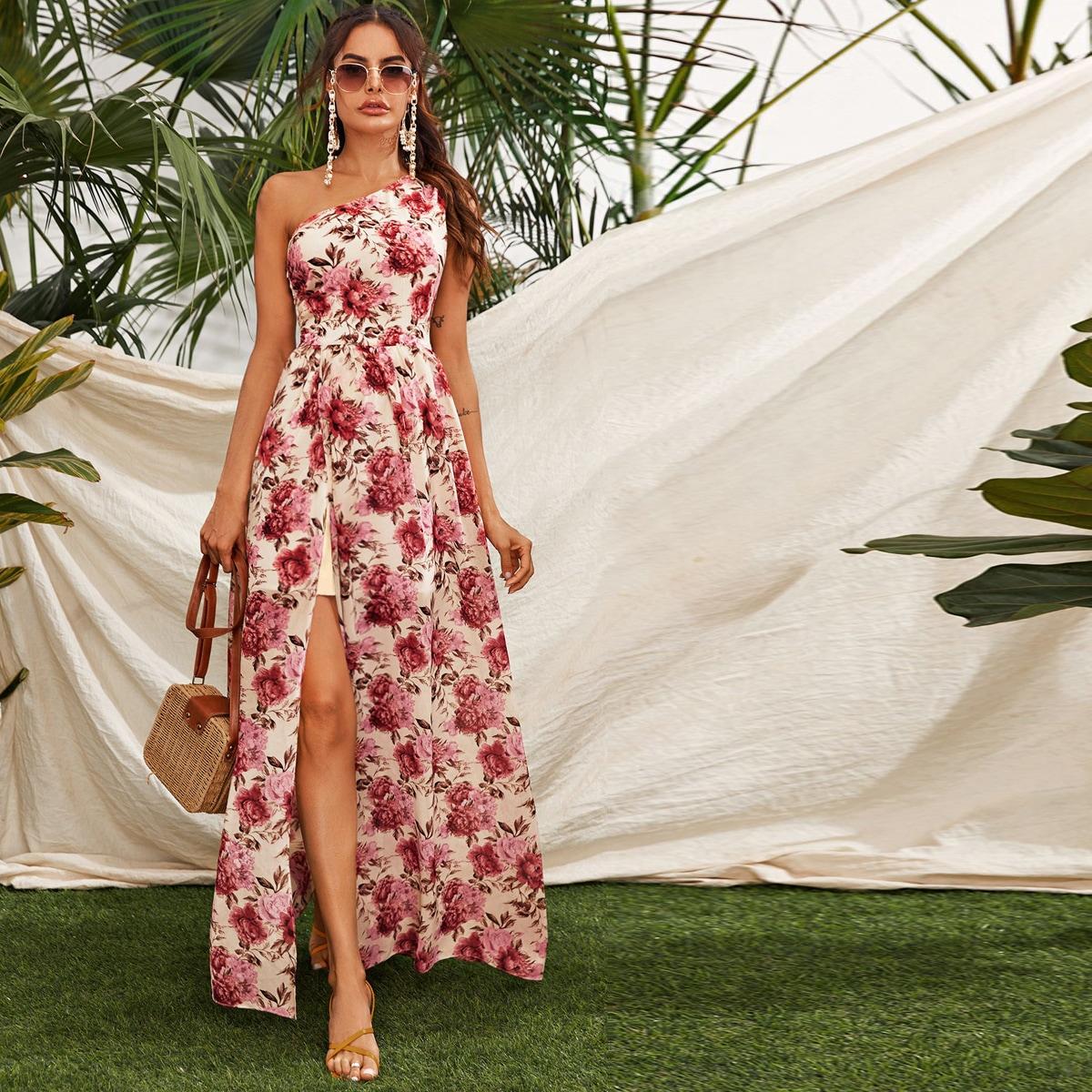 Цветочное платье на одно плечо с разрезом