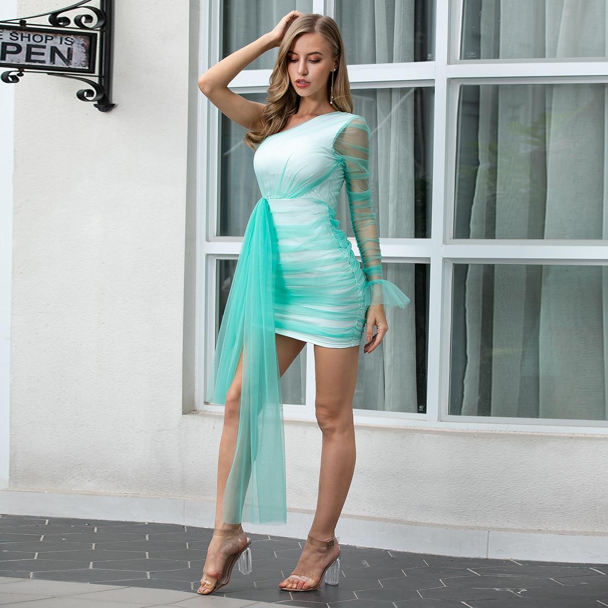Облегающее сетчатое платье на одно плечо