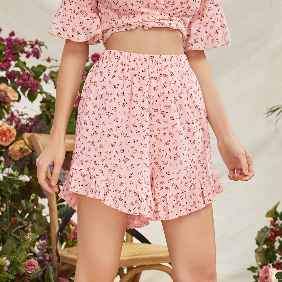 Цветочные шорты с эластичной талией