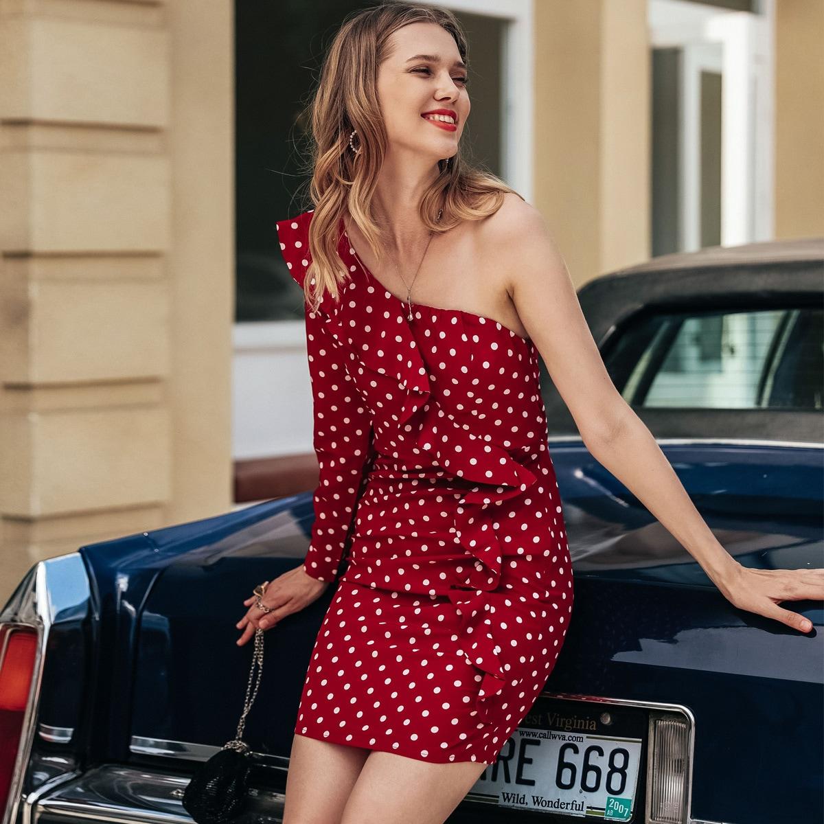 Платье в горошек на одно плечо