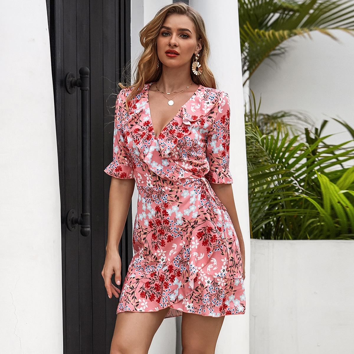 Цветочное платье с оборками по цене 972