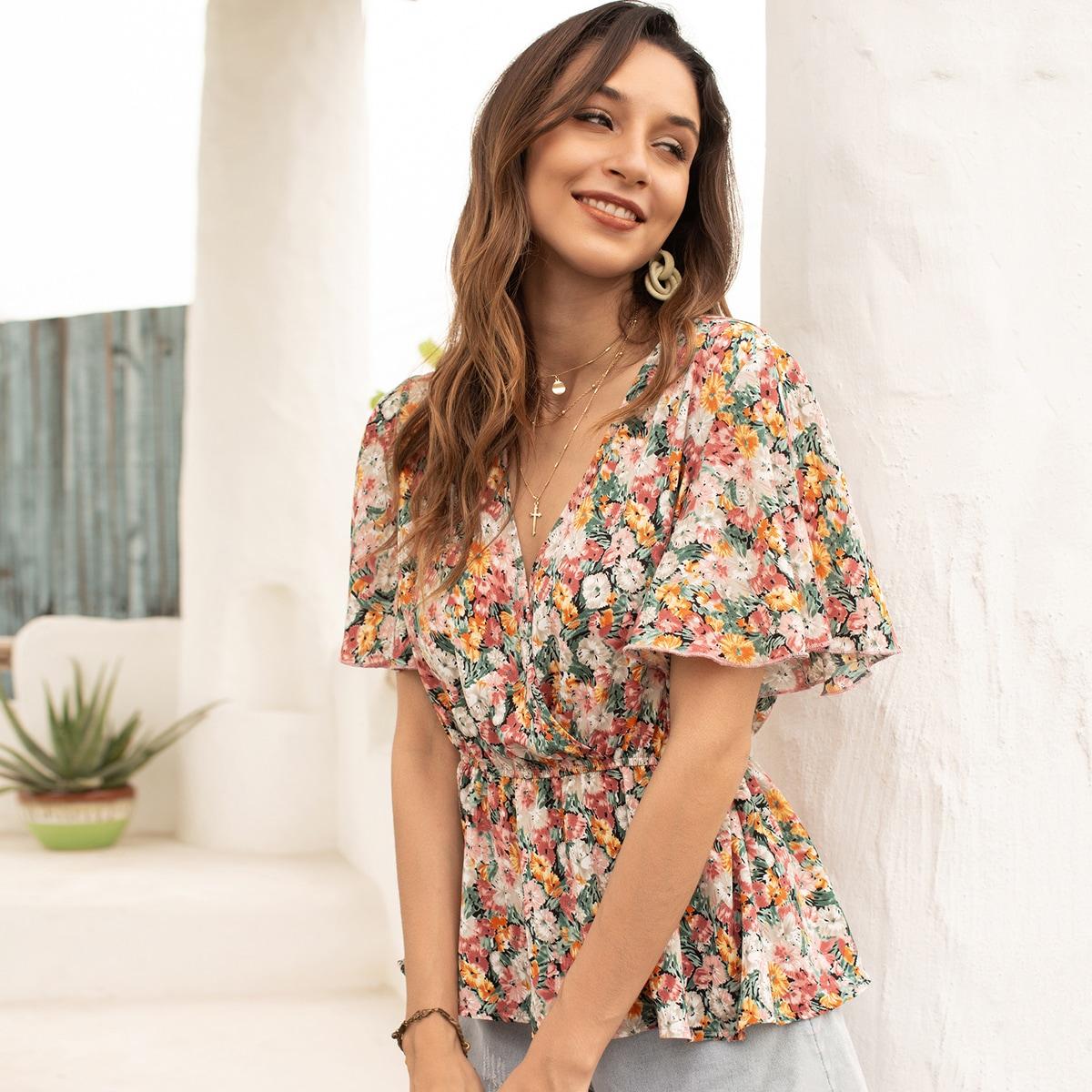 Блузка с v-образным вырезом и цветочным принтом
