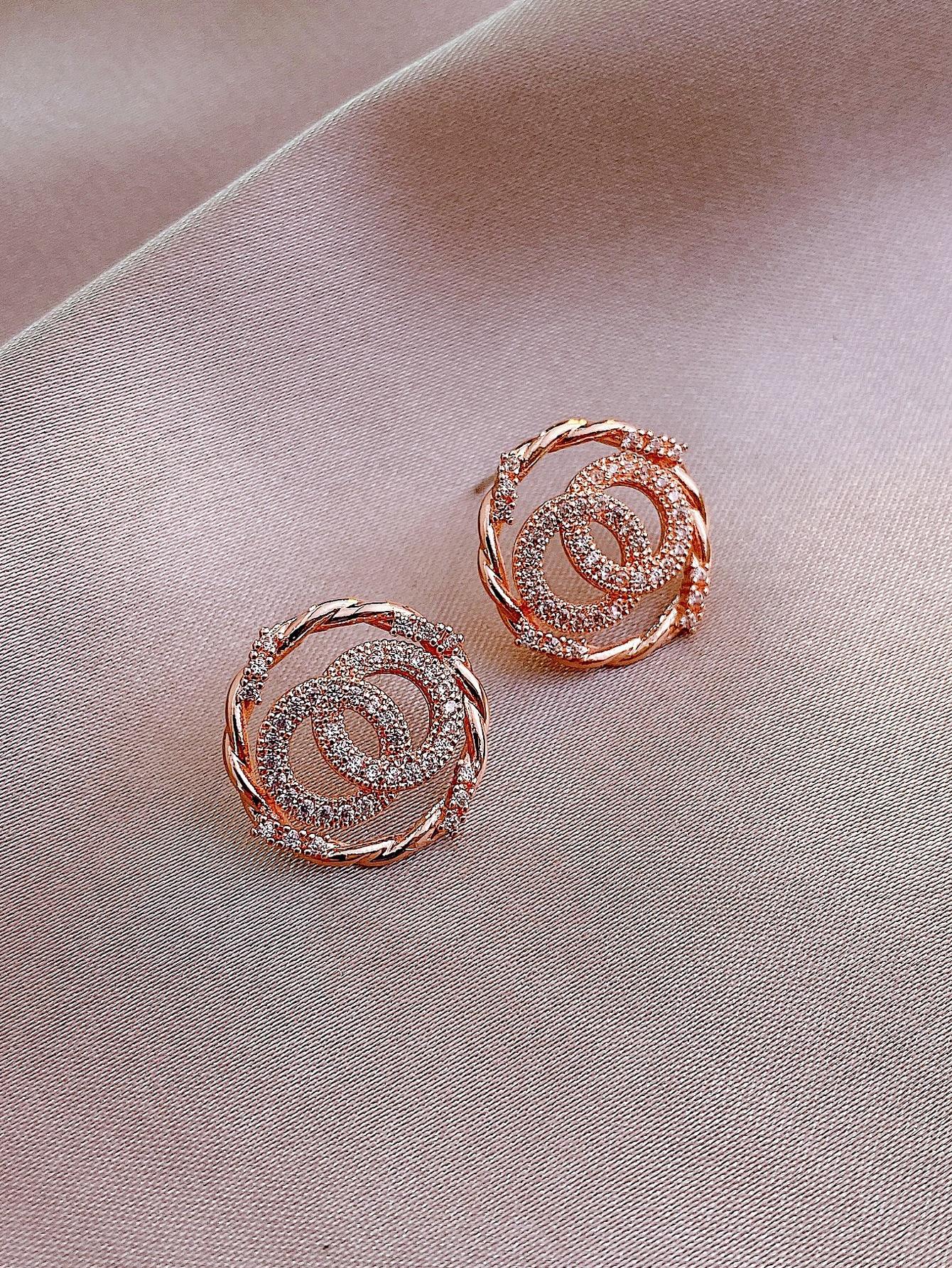 Rhinestone Round Stud Earrings thumbnail