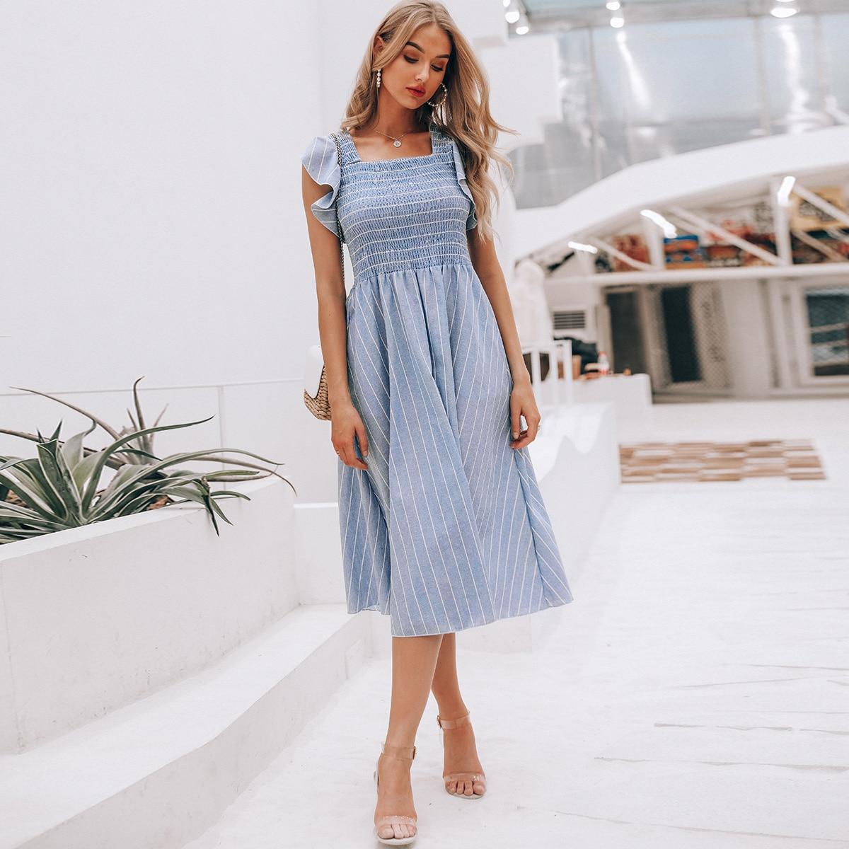 Платье в полоску с оборками