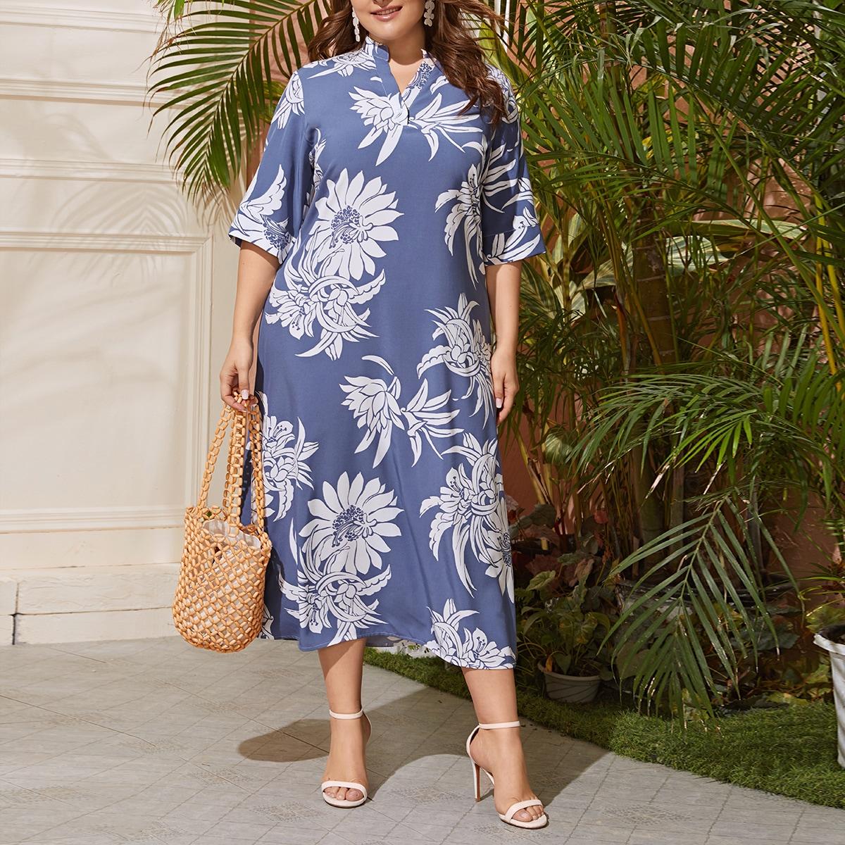 Цветочное платье размера плюс с клиновидным вырезом