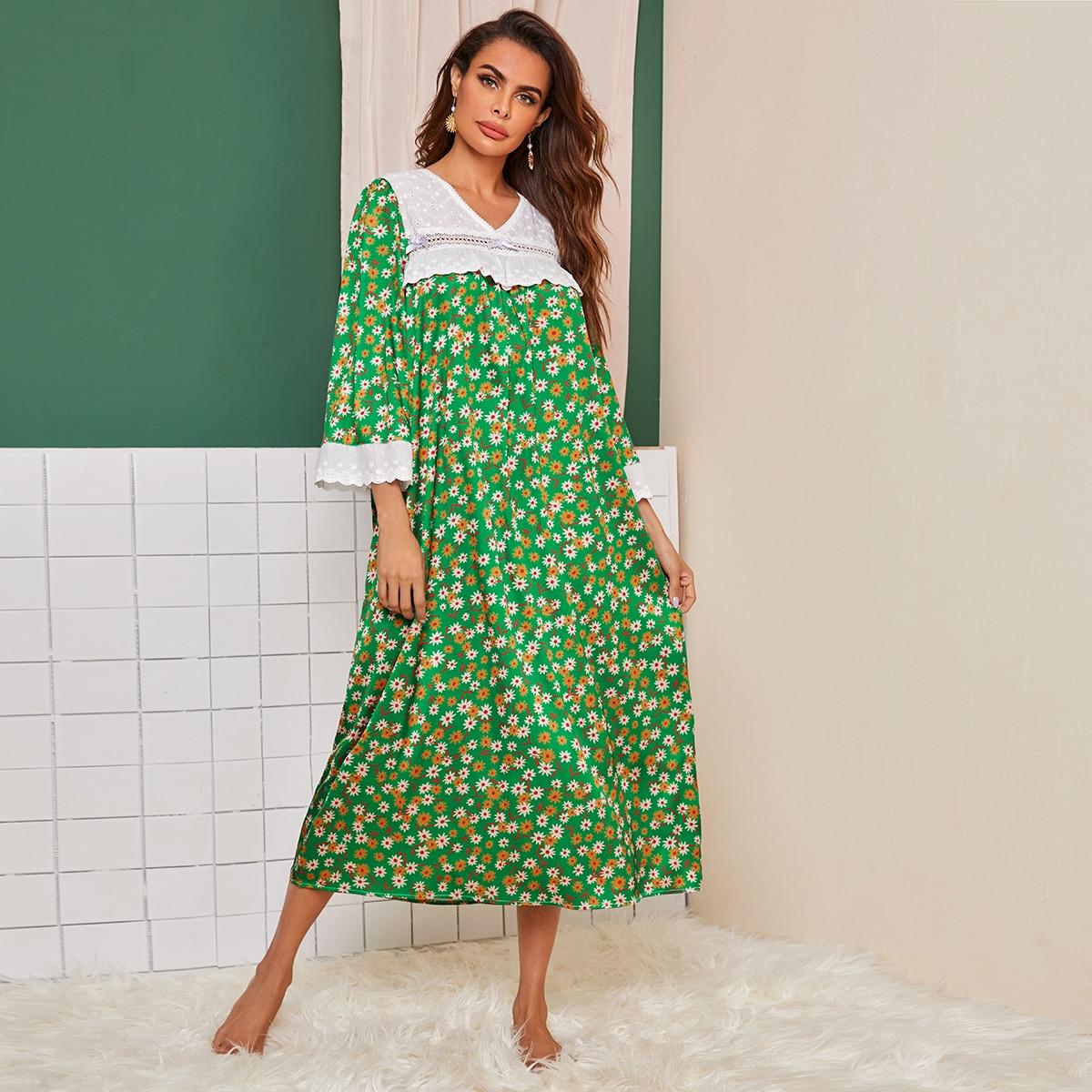 Атласная ночная рубашка с вышивкой и цветочным принтом