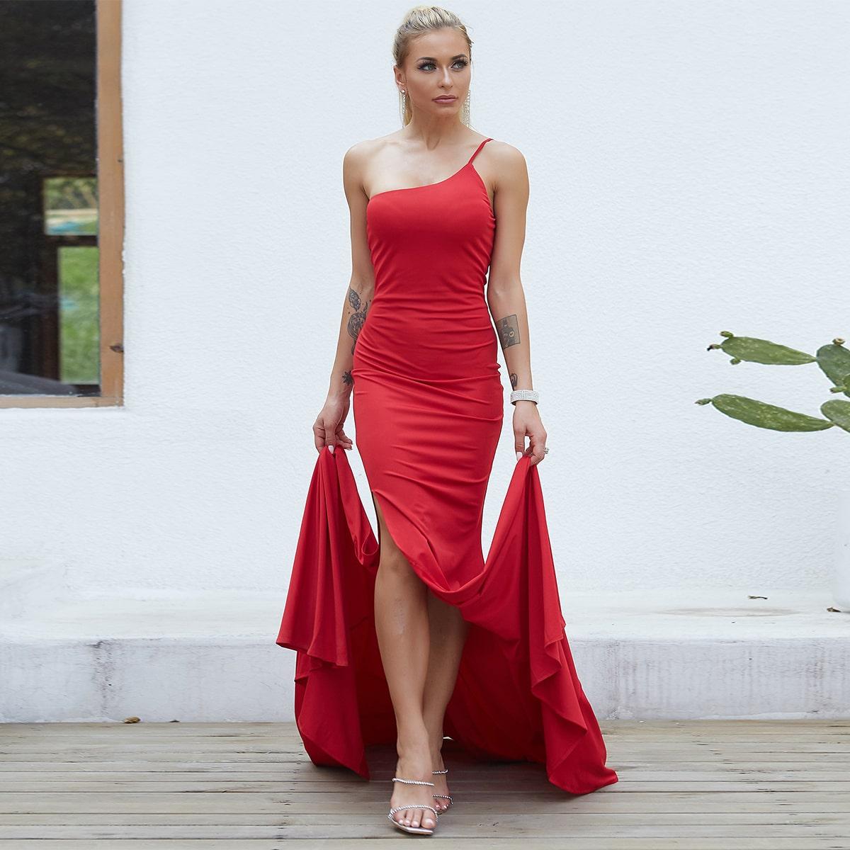 Длинное платье-русалка на одно плечо