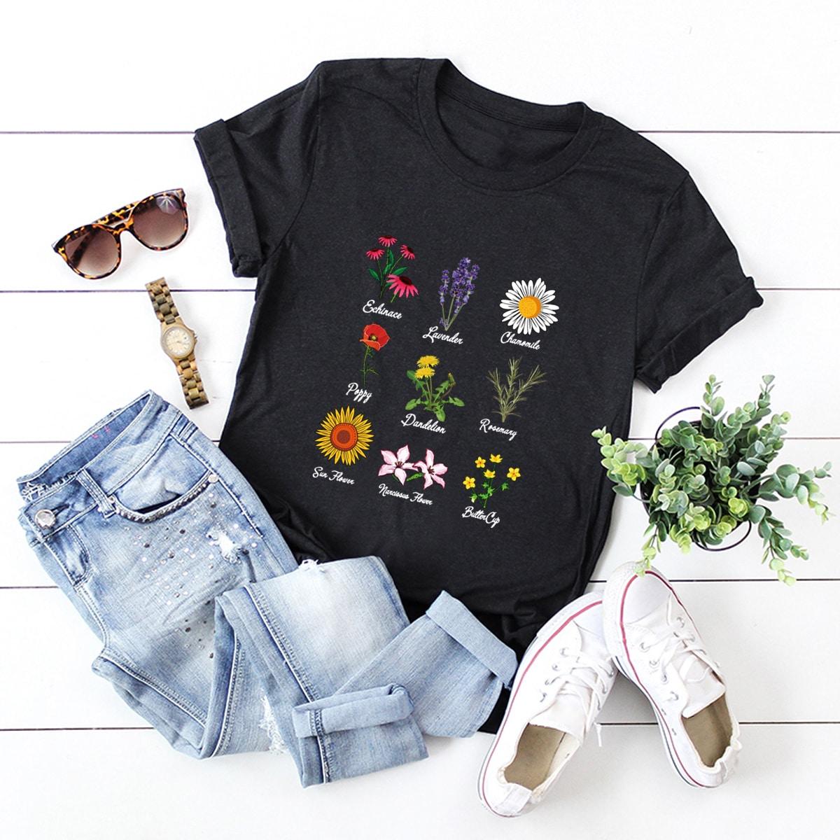Camiseta con estampado de plantas y letra