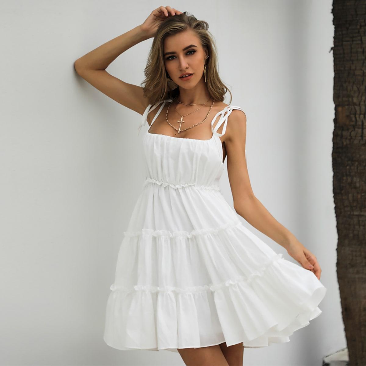 Платье с узлом на бретелях