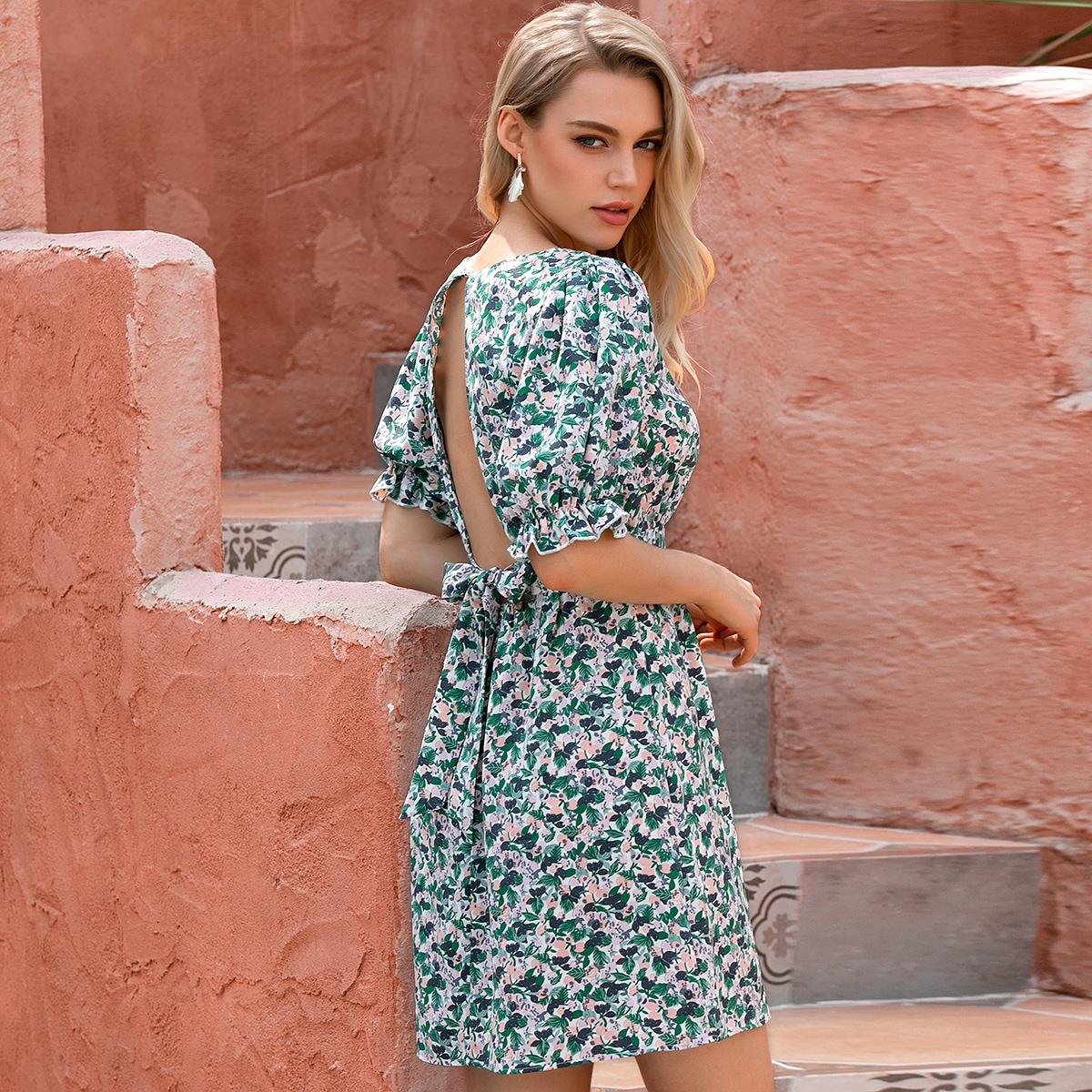 платье с цветочным принтом, пышным рукавом и узлом сзади