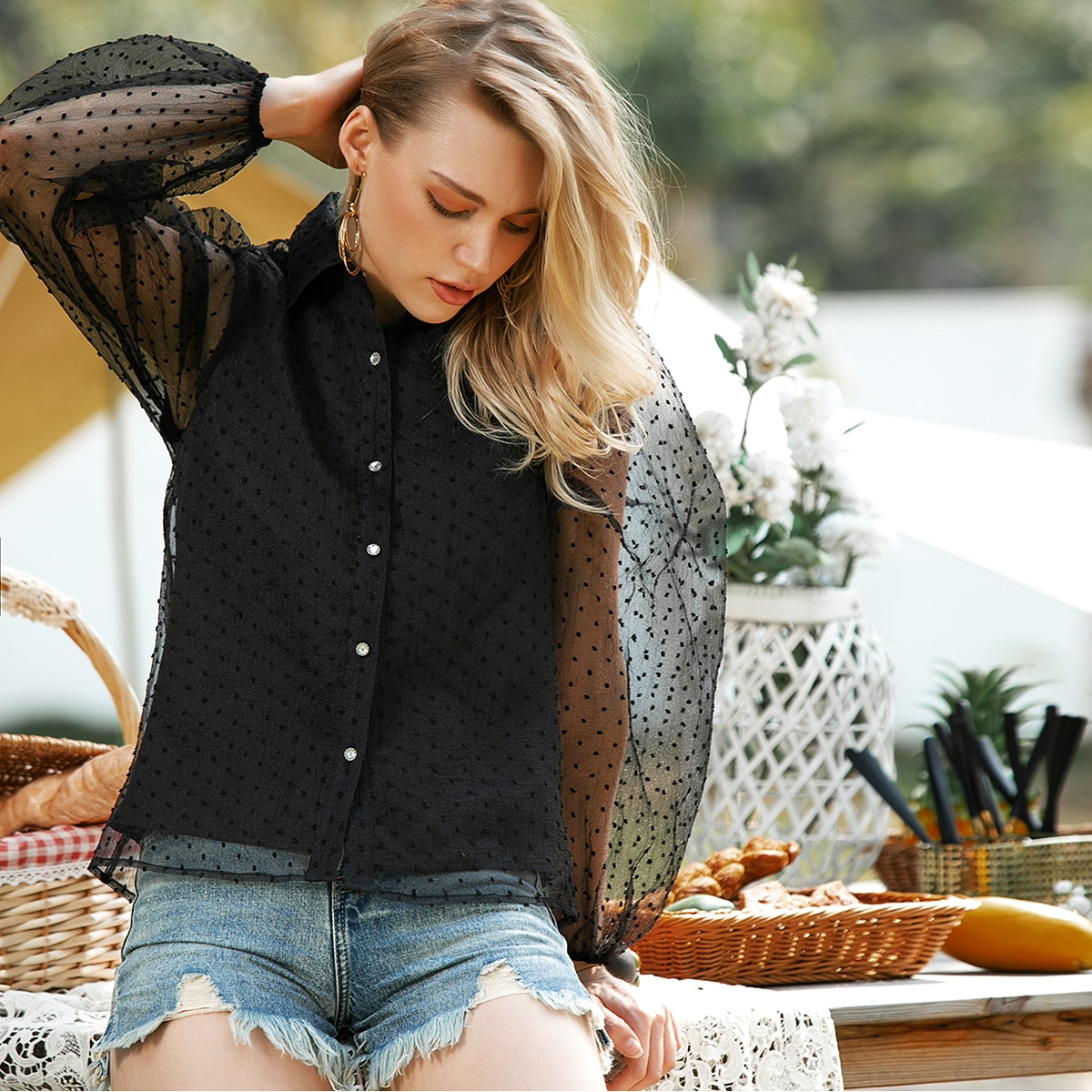 Сетчатая блуза с оригинальным рукавом