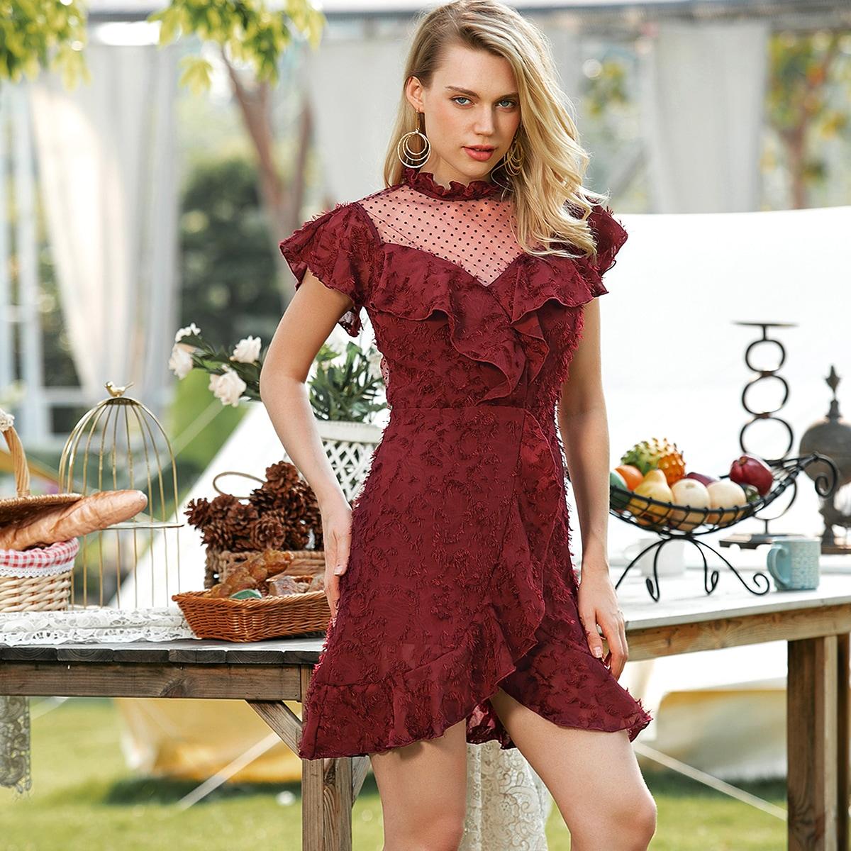 Платье с сетчатой вставкой и оборками