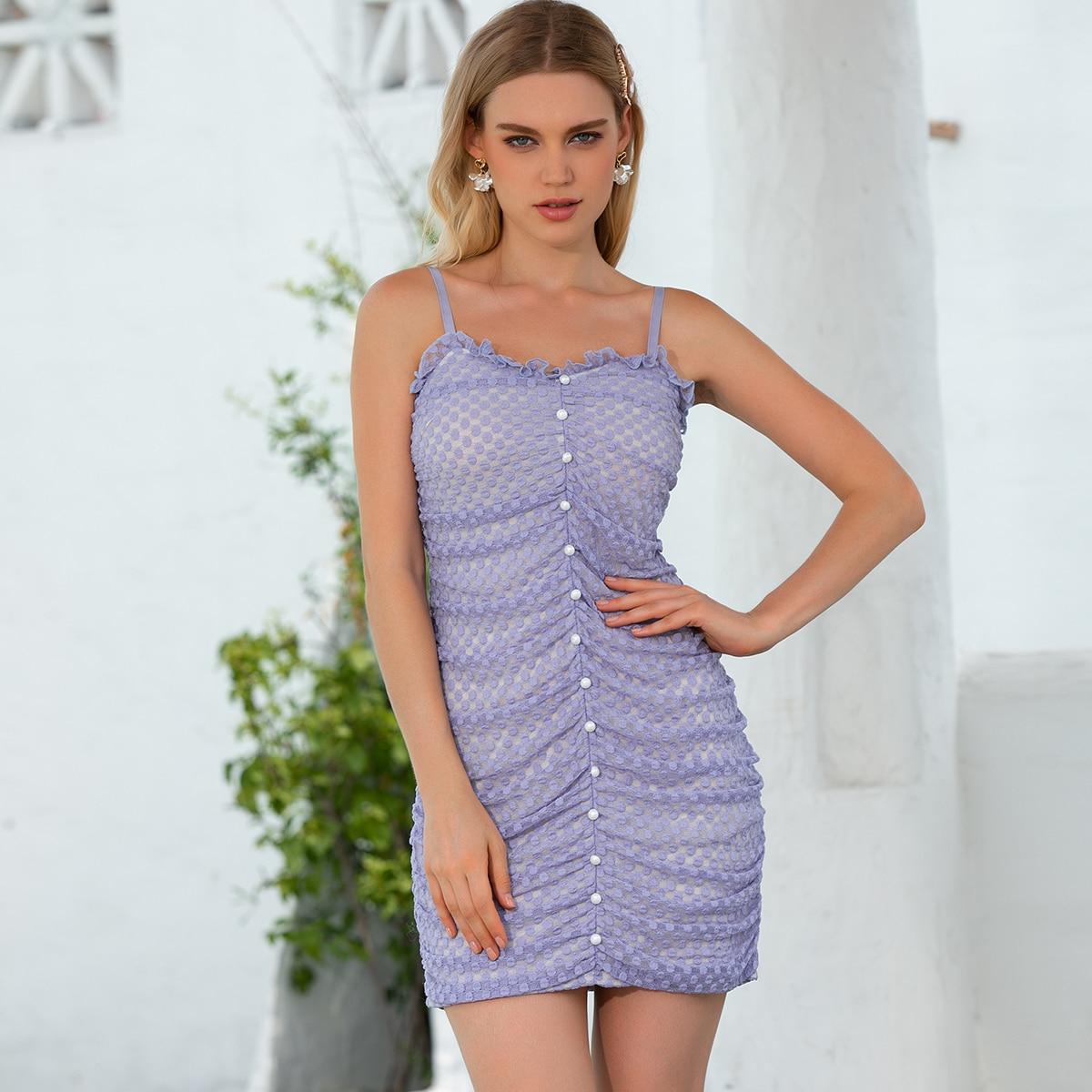 Сетчатое платье в горошек с пуговицами