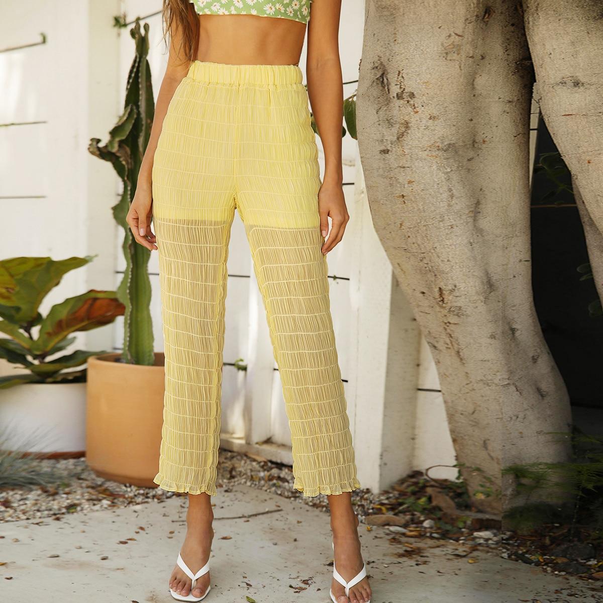 Полупрозрачные короткие брюки